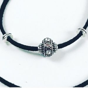 🔴SALE ! Silver antique charm with cz choker